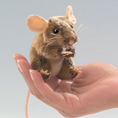 Mini Field Mouse puppet by Folkmanis 1