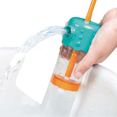 Multi-spout sprayer bath toy 3