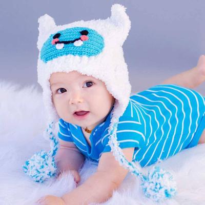 Fluffy white Yeti hat 1
