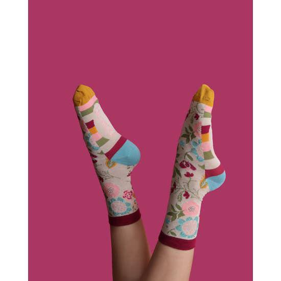 Scandi floral bamboo socks in cream (women's) 2